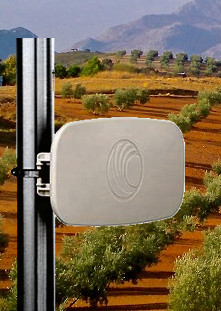 PTP-820E-E-Band-Backhaul-w
